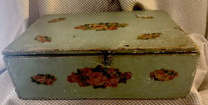 very VTG Floral HAND CRAFTED Wooden Box French Country Shabby Chic Green UNIQUE