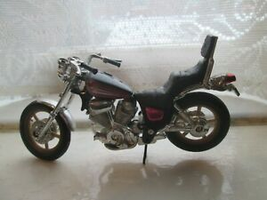 YAMAHA XV1100 VIRAGO 1-18 SCALE MAISTO MOTORCYCLE MODEL