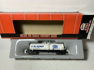Atlas   Tank Car   J.M. Huber #79380   HO Scale