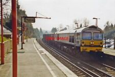 PHOTO  2000 OTFORD RAILWAY STATION WITH CLASS 59 DIESEL VIEW SOUTHWARD TOWARDS M