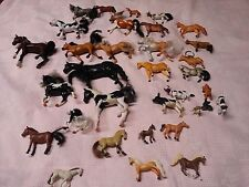 28 Horses 1 bull 1 cow 3 dogs toys