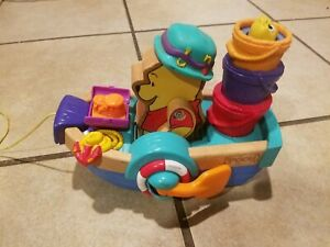 2001 Mattel Disney Winnie The Pooh Bear Musical Row Wood Boat Pull Toy