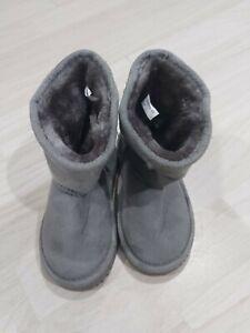 Girl  UGG Boots Infant Size 6