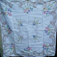 VINTAGE HAND EMBROIDERED SQUARE LINEN TABLECLOTH FLORAL 41'' x 43''