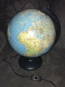 DESK TOP LIGHT UP WORLD GLOBE
