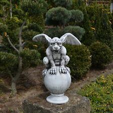 Top! Massive Steinfigur Gargoyle auf Kugel Torwächter aus Steinguss frostfest