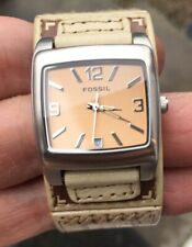 LADIES FOSSIL  LEATHER STRAP WATCH NEW BATTERY PUT IN IT VERY NICE ORDER