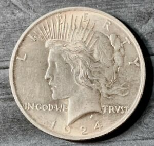 1924 $1 Peace Silver Dollar Coin ~ Nice Detail
