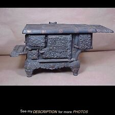 Antique Toy / Salesman Sample Cast iron Eagle Cook Stove