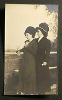 Vintage Snapshot Photo Affectionate Women with Big Hats c 1908 Edwardian Fashion