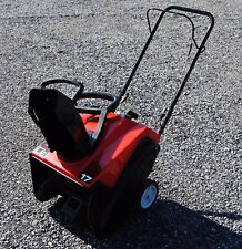 """Snapper LE3170R Single Stage Snowblower - 17"""" Clearing Width"""