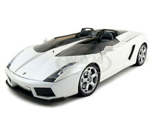 LAMBORGHINI CONCEPT S PEARL WHITE 1:18 DIECAST CAR MODEL BY MONDO 50039