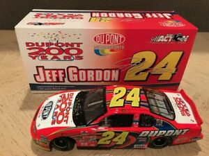 2002 Action/RCCA Jeff Gordon Dupont 200th Anniversary Bank 1:24 (# to 4,008)