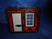 Playmobil rote Fachwerkwand weißes Fenster weiße Tür Fachwerkhaus unbespielt top