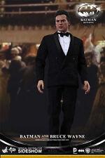 Hot Toys MMS 294 Batman Returns Michael Keaton Bruce Wayne Set 12 In. Figure