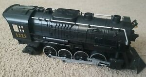 Lionel The Polar Express Train G-Gauge 2-8-2 Steam Engine 1225 Battery