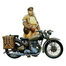 Italeri 1/9 Triumph Motorcycle Plastic Model Kit 7402