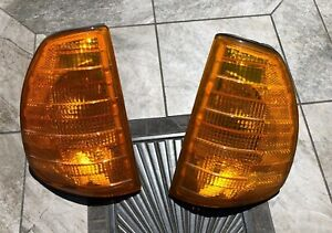 Mercedes-Benz W123 240D 280E 280CE TE 300D 300CD 300TD Bosch Turn Signals Pair