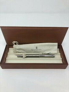GRAF VON FABER CASTELL Titanium fountain pen, Classic ring design, 18k gold nib.