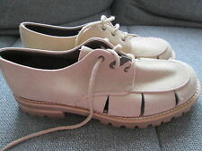 WOMENS GENUINE SUEDE DESIGNER GUESS SHOES LIGHT BEIGE UK 8 EURO 42 NEW