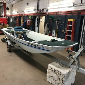 15' Montgomery Ward Aluminum Sea King 35HP Sea King w/ Misc. Trailer T1292739