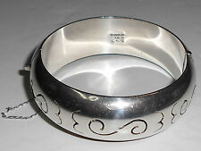 VINTAGE MEXICAN STRELING SILVER CUFF BRACELET (2WI)