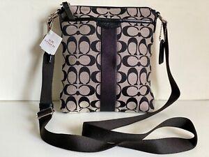 COACH SIGNATURE 12CM N/S SWINGPACK BLACK WHITE CROSSBODY SLING BAG PURSE $148