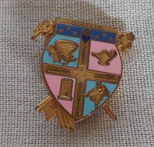 Fraternity school pin Facite alii crown scientia opera auctus coat of arms