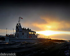 Royal Navy HMS Dasher Escorting Sub at HMNB Clyde 10x8 Inch Reprint Photo