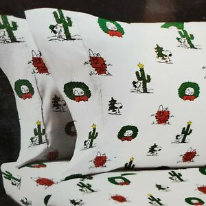 Berkshire Peanuts Snoopy Holiday Wreath Cactus Lights White Red Queen Sheet Set
