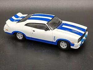 TRAX TR10 1977 FORD XC FALCON HARDTOP COBRA WHITE & BLUE 1:43 SCALE DIECAST CAR