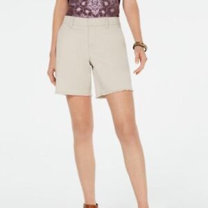 NEW Style & Co Women's Plus Mid-Rise Khaki SHORTS Relaxed fit - Size 16 NWT $47