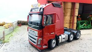 MARGE MODELS 1:32 SCALE VOLVO FH16 6x2 RED