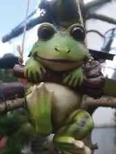Frosch Deko Figur hängend  lebensgroß Amphibien Garten Figur NEUHEIT