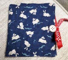 Matelassé Handmade Aiguille Livre Japonais Lapins bleu marine tissu boutons en bois