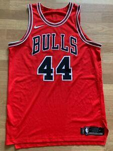 Nikola Mirotic 17-18 game worn Nike Chicago Bulls red jersey, 52+4