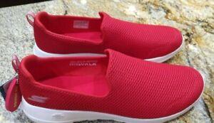 NWT Red Slip On Skechers Sneakers Walk Joy Women Soft Casual mesh Comfort 13