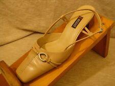 ECCO Leather Slip On Split Toe Heels Women's Size US 8.5 EU 39 S6-58