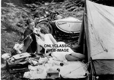 Vintage Triumph Motorrad Sidecar Mann Damen Camp Zelt Romantic Picknick 5X7 Foto