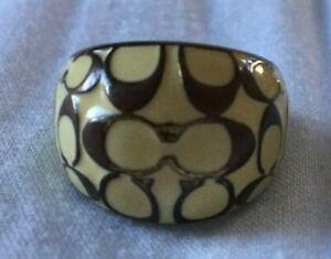 COACH Miranda Signature C Enamel & Brass Off White & Gold Dome Ring, Size 7