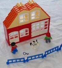 LEGO DUPLO HOUSE SET WITH PEOPLE & A DOG. DUPLO BUNDLE FIGURES & ANIMAL. LOT O31