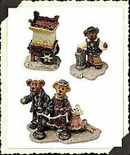 Boyds Bear Bearly Built Villages The Roxbeary Theater Spring/Summer Folks