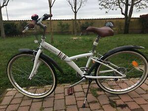 bicicletta unisex bianca praticamente nuova