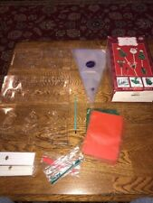 Wilton Holiday Christmas Candy Lollipop Making Kit Contains 3 Molds (LQ)