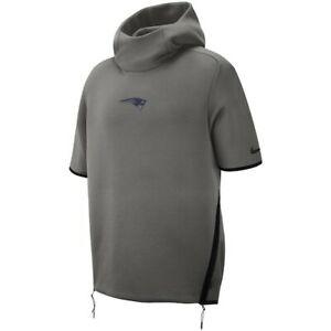 NWT $150 NIKE NFL Patriots Showout Short Sleeve Hoodie  Mens M AO5428-021