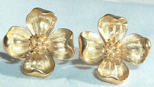 VINTAGE CROWN TRIFARI GOLDTONE FLOWER SPRING CLIP EARRINGS IN GIFT BOX