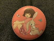 Belle and Boo small decorative round tin,  7x3cms,Belle and Boo, Back to back