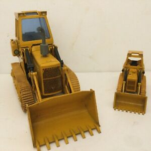 2No NZG CATERPILLAR CAT 941 Track Type Loader Rubber Tracks 1:24 & 1:50 Scale