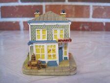 1996 Ah103 Howard'S Hardware Figurine