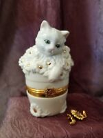 Lenox Treasures The Inquisitive Kitten Cat  Box With Sunflower Charm Trinket Box